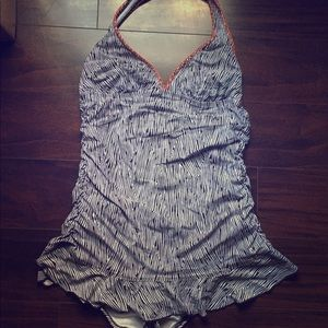 Kenneth Cole XL one piece bathing suit